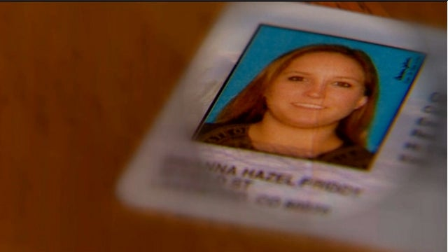 'Dumb' Identity Thief Hands Waitress Her Own Stolen ID Card