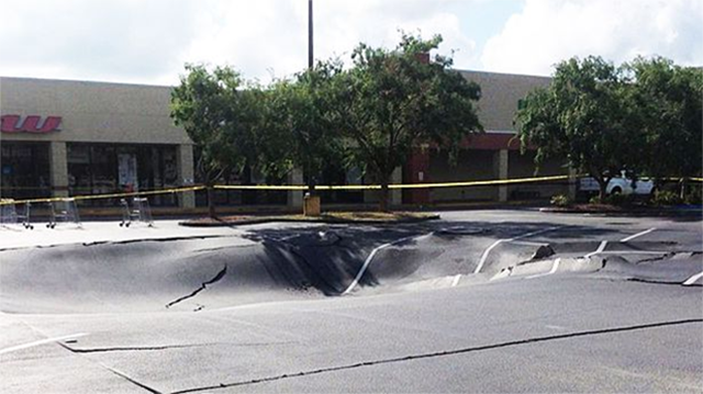"This Sure Doesn't Look Like a ""Possible"" Sinkhole"