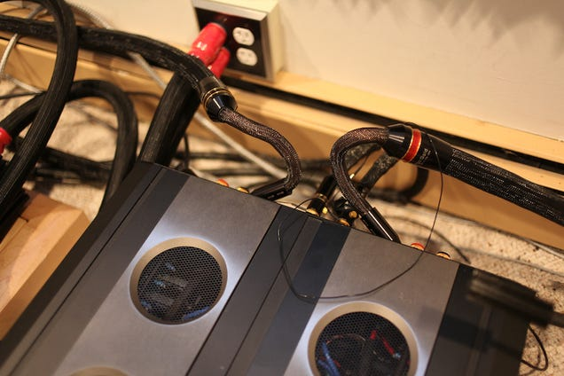 Audiophile Test: Speaker Wire, AC Power Cable, Record Demagnetizer