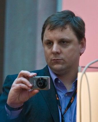 Blogger Walks in on Massive, Hapless Tech Conspiracy