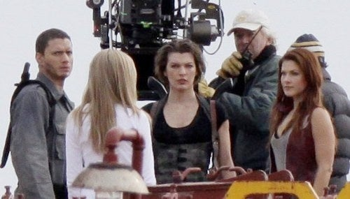 First Look At Alice On Set For Resident Evil: Afterlife