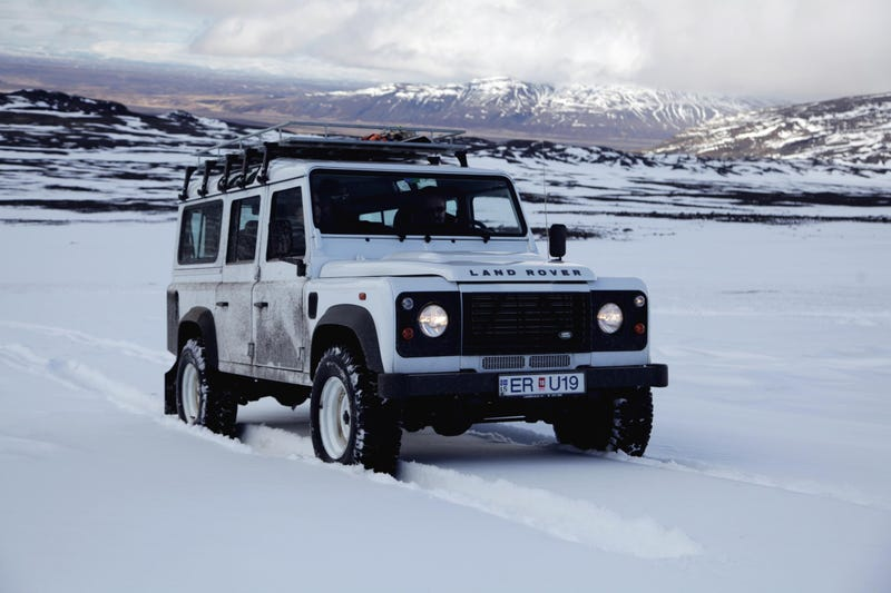 Icy Siberia Won't Stop This Land Rover Defender