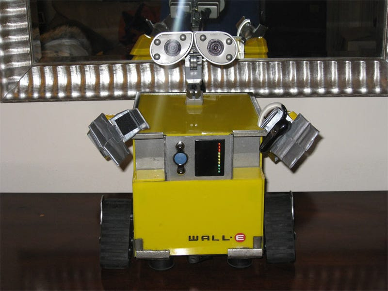 Wall-E Computer is More Adorable Than Your Computer