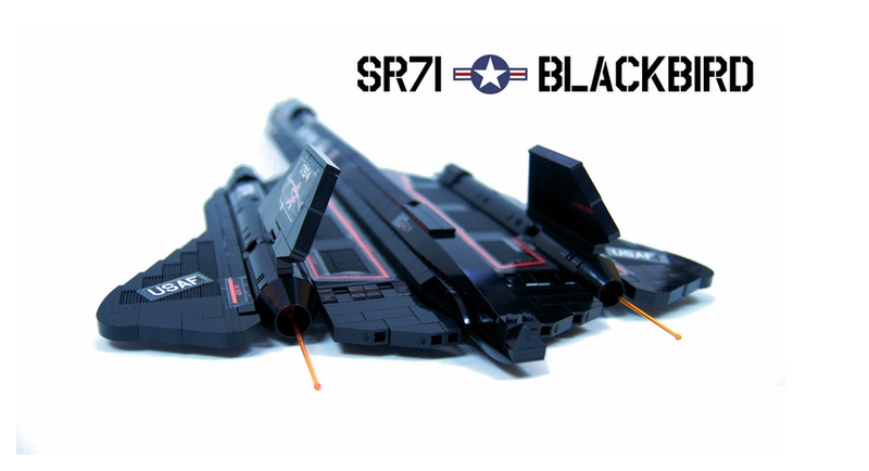 Amazing Lego SR-71 Blackbird Is Motorized, Controlled by Joystick