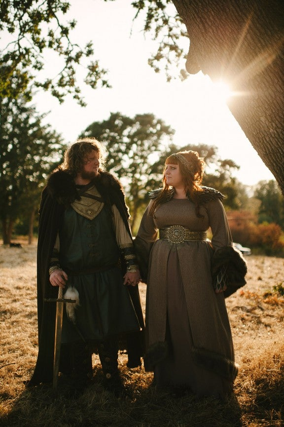 Game Of Thrones engagement shoots announce: The Wedding is Coming