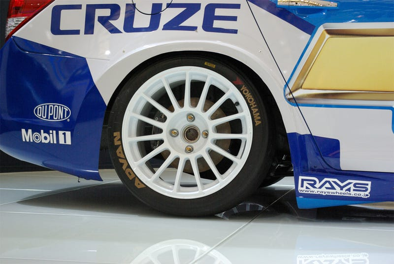 WTCC Chevy Cruzes Into Shanghai