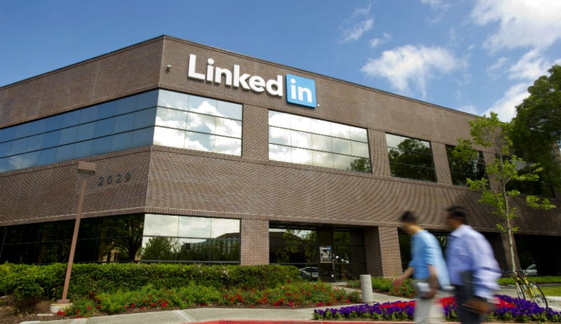 LinkedIN Will Now Let You Block Other Users. Finally.