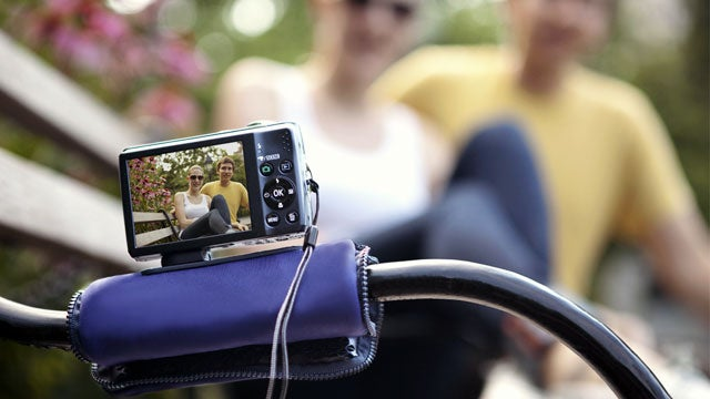 Quirky Pose Is a Compact Camera Case and Stand in One
