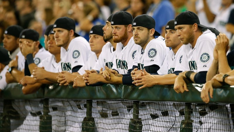 Mariners Players Pay Tribute To Ken Griffey Jr. In Perfect Fashion