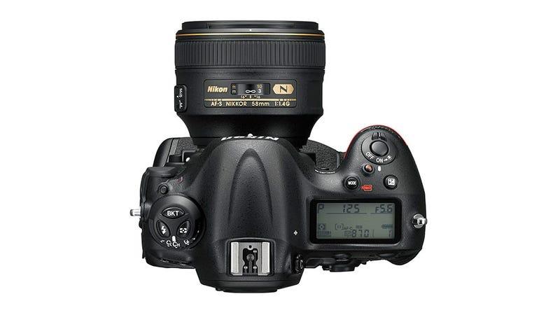 Nikon D4S: An Epic Pro DSLR in a Familiar, Jumbo Package