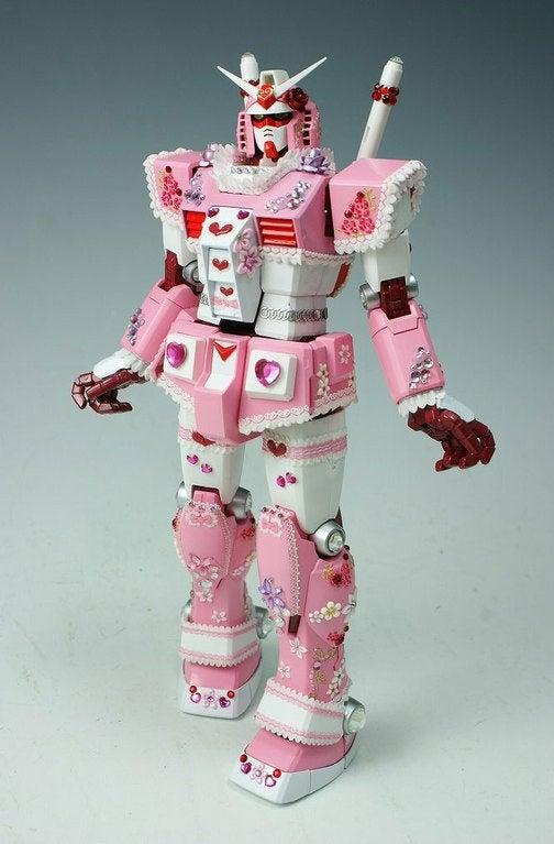 Preeeeetty Pink Gundam Confuses My Masculinity