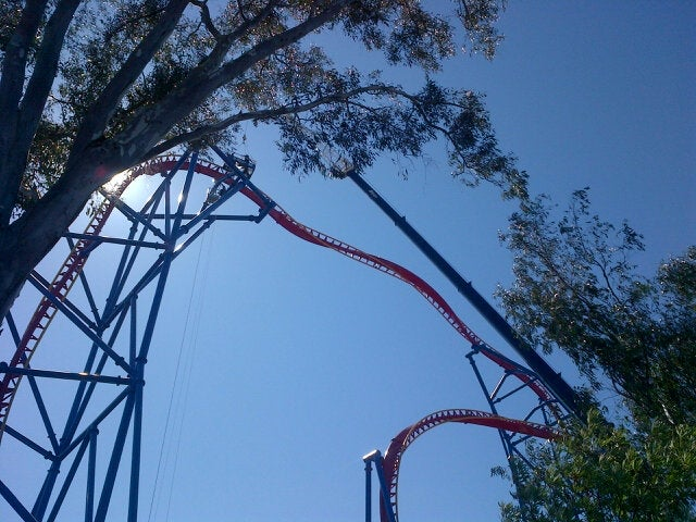 Breaking: 12 riders stuck at the top of Six Flags' Superman roller coster [Updated]