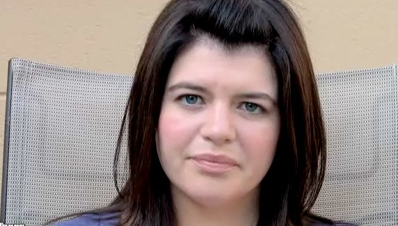 "Casey Wilson ""Reads"" Internet Comments"
