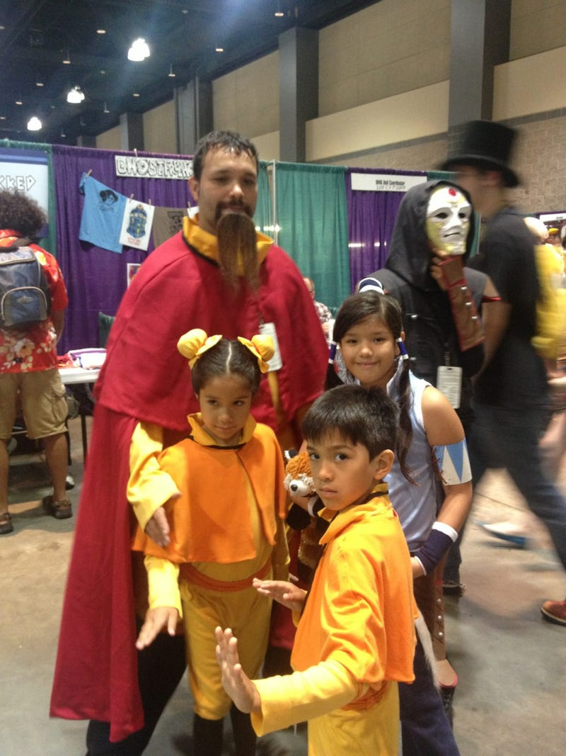 The whole family gets in on this adorable Legend of Korra cosplay