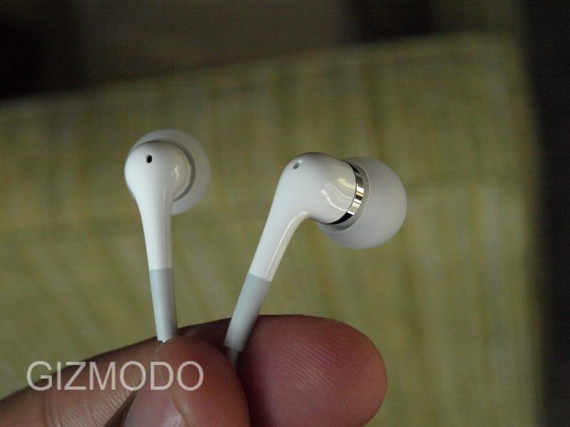 Lightning Review: New Apple In-Ear Headphones