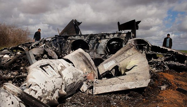 First photos of US fighter jet crash in Libya