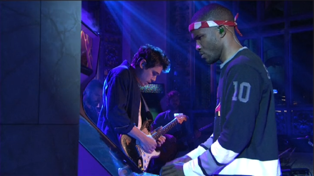 Frank Ocean Just Up and Leaves His Saturday Night Live Performance to Play Some Galaga