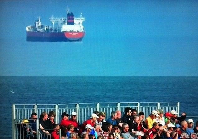 Repülő hajó zavart meg egy skót golfversenyt