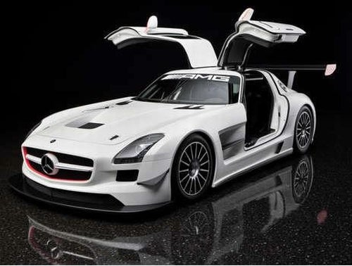 Mercedes SLS AMG GT3: Luxury Sports Car Transforms Into Bare-Bones Racer