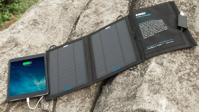 Deals: Solar USB Charger, Power Screwdriver, Wiper Blades, Fitbit
