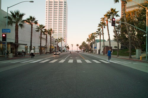 Photos from an alternate dimension: pedestrian-friendly Los Angeles