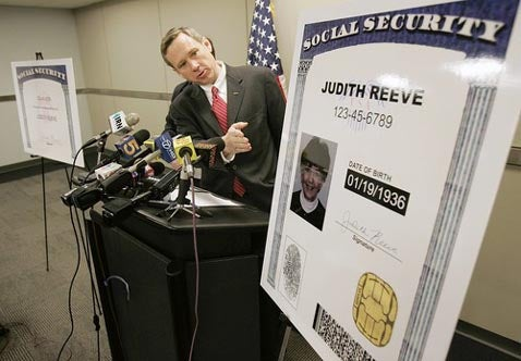 Biometric Social Security Cards Proposed to Combat ID Theft