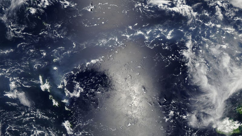 A Combination of Volcanic Smog and Sunglint Is Breathtaking