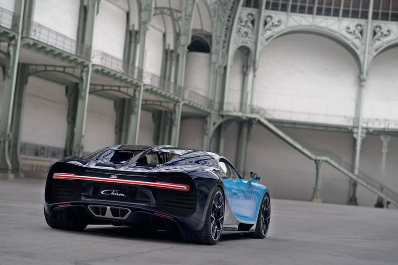 'Bugatti Chiron: This Is A Lot More Of It' from the web at 'http://i.kinja-img.com/gawker-media/image/upload/s--C2VPmnHj--/c_scale,fl_progressive,q_80,w_800/zbyzhye06plt7gbfb28p.jpg'