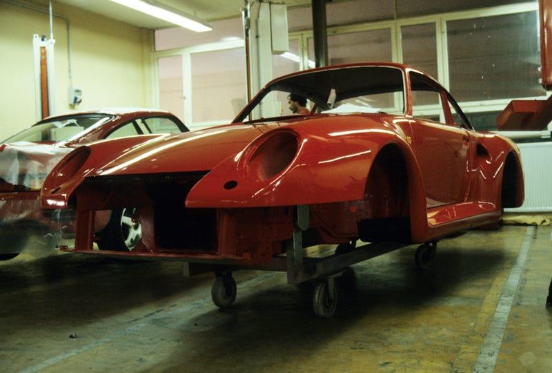 Vintage Porsche 959 Factory Tour