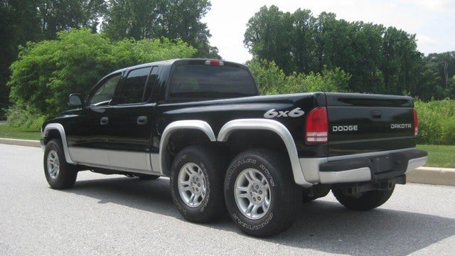 Custom Dodge Dakota 6x6 is hard to explain