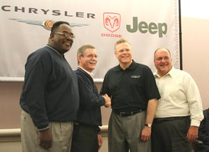 Chrysler Workers Ratify UAW Contract