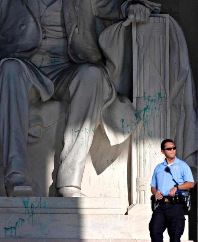 The Lincoln Memorial Closed After Vandals Splash Green Paint on Statue
