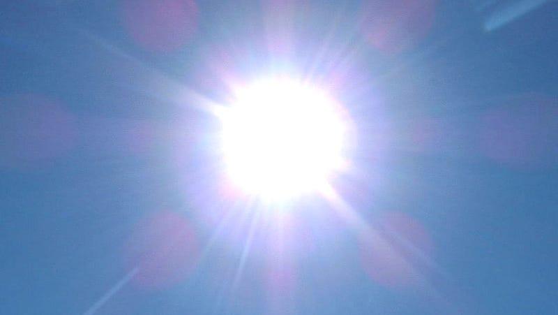 "Check out the crazy-dangerous ""phosphorus sun"" demonstration"
