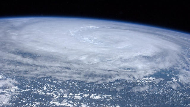 Major earthquakes might be triggered by hurricanes