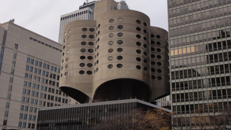 Should This Historic Architectural Icon Be Razed?
