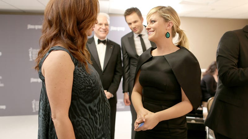 Maya Rudolph and Amy Poehler Ruin Joel McHale's Photo