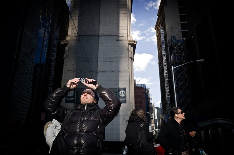 Photos of Tourists Staring at the WTC Are Weirdly Riveting