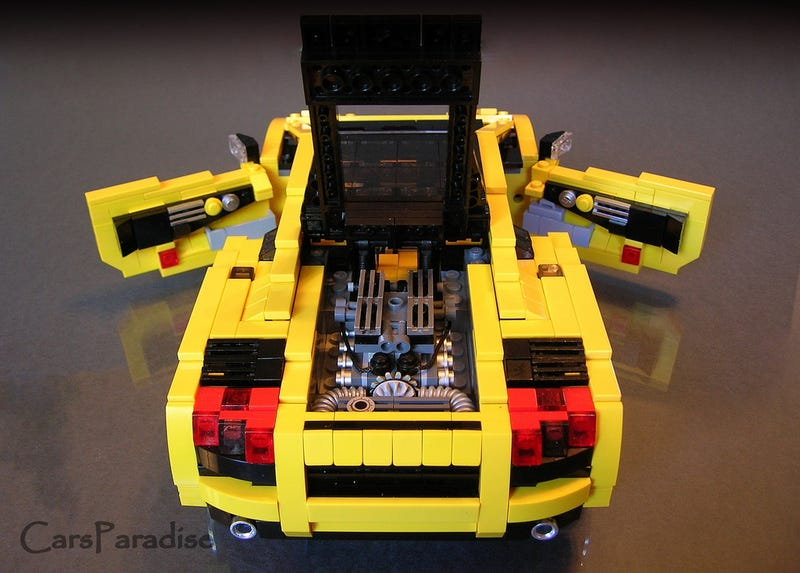 Lego Maniac Inspires Us With Amazingly Detailed Lego Cars