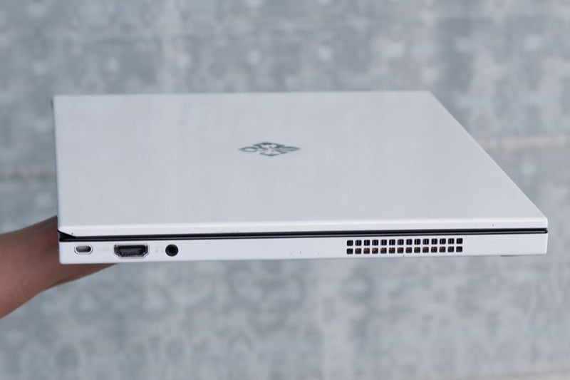 Voodoo's Envy 133 Is Thinnest Notebook Alive; Based On Intel Metro Concept Laptop