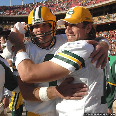 Aaron Rodgers Tries To Make A Fractured Packers Nation Forget About The Past