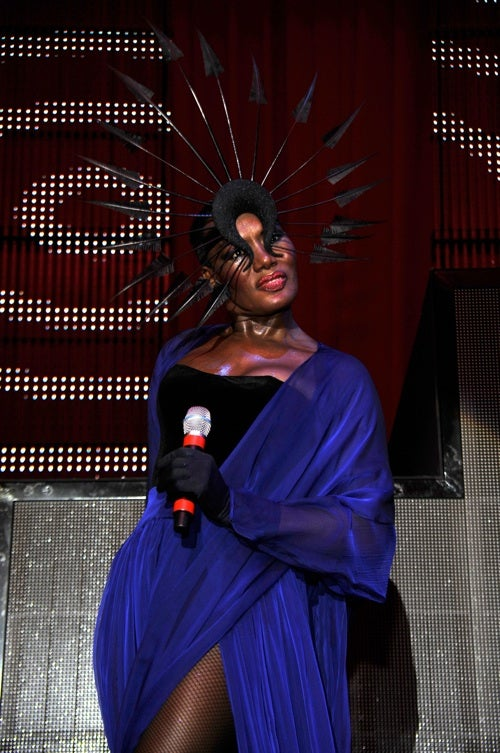 Grace Jones Thinks Gaga Is A Copycat; Demi Moore Doesn't Want You To Call Her A Legend
