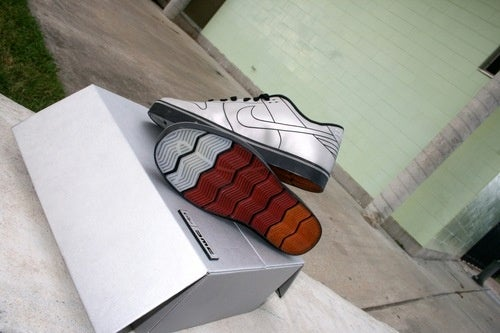 Nike DeLorean Dunk 6.0: Full Photos