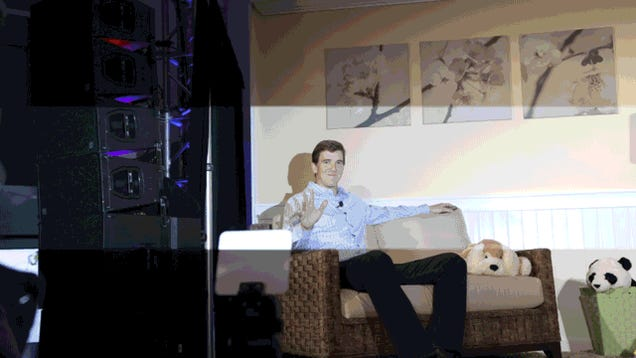 I Went To a Samsung Event and All I Got Was This Incredible Eli Manning GIF