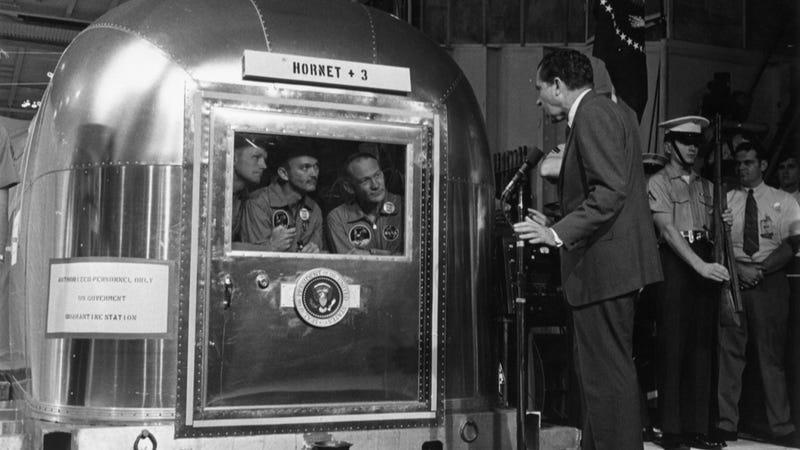 Elon Musk Is Turning Into Richard Nixon