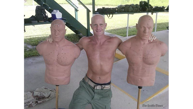 Finally, the Shirtless FBI Agent Photo Is Revealed, Putting the Petraeus Affair's Biggest Mystery to Rest