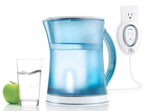 Bacteria-Killing UV Water Pitcher Reminds You What You Might Be Drinking