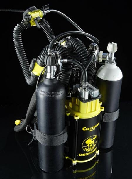Poseidon Mk IV Discovery Oxygen Tank Recycles Your Exhaust, Lets You Dive Stealthily