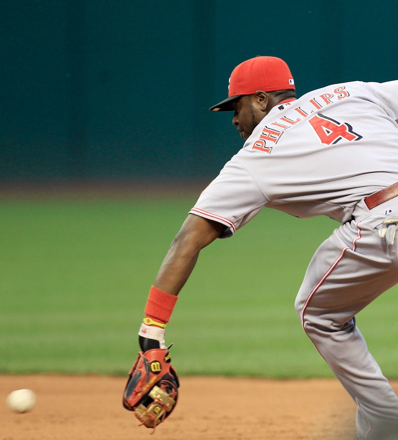 "Rawlings Sues Wilson Over Brandon Phillips's ""Gold"" Glove"