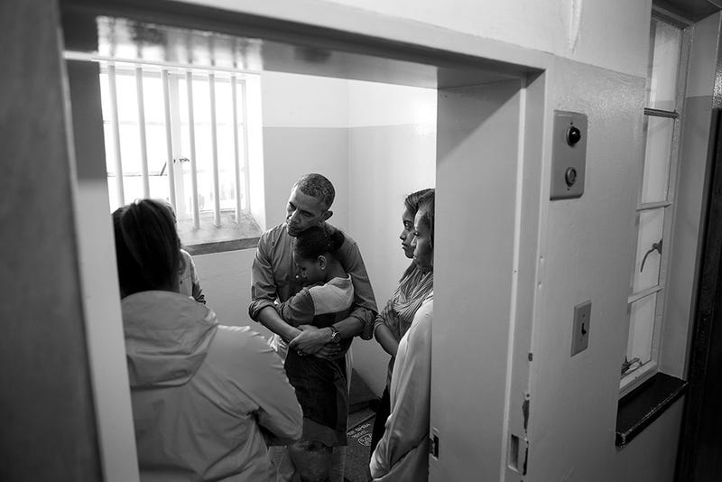 Here's a Moving Photo of the Obama Family in Mandela's Cell