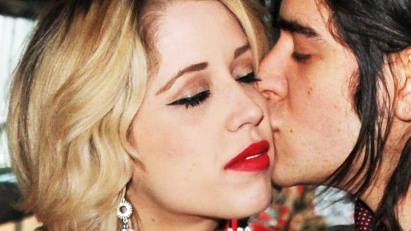 Peaches Geldof, Heiress and Amateur Porn Star, Is Pregnant